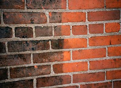 Пескоструйная очистка кирпичных стен